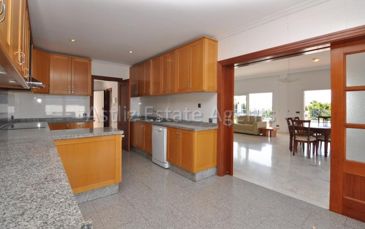 4 Bed  Villa/House for Sale, Playa De La Arena, Santiago Del Teide, Tenerife - AZ-1047 11