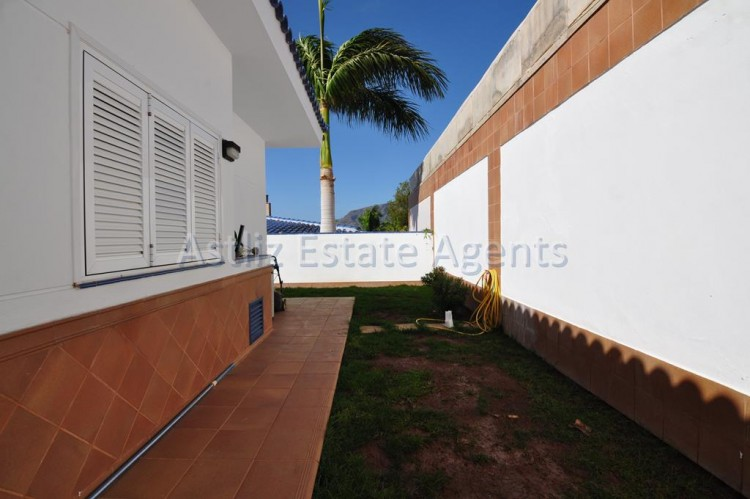4 Bed  Villa/House for Sale, Playa De La Arena, Santiago Del Teide, Tenerife - AZ-1047 15