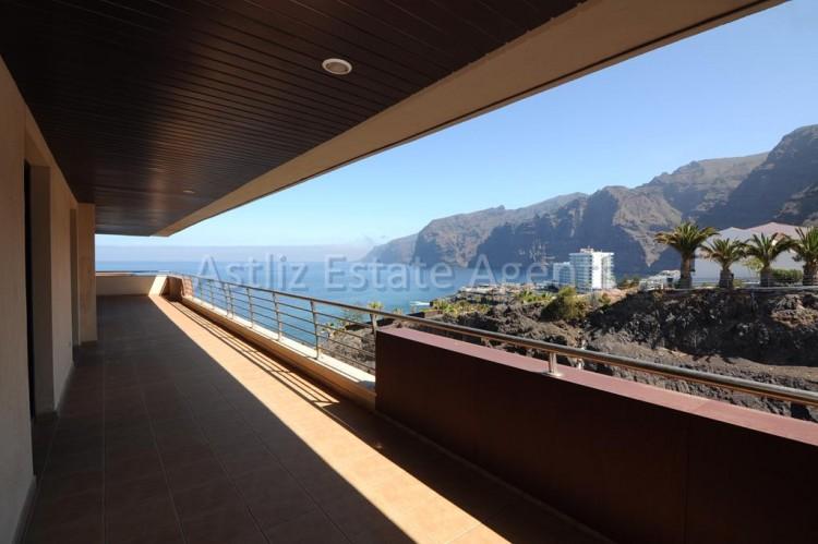 3 Bed  Flat / Apartment for Sale, Puerto De Santiago, Santiago Del Teide, Tenerife - AZ-1053 16