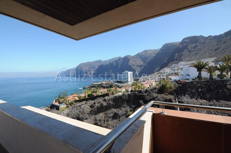 3 Bed  Flat / Apartment for Sale, Puerto De Santiago, Santiago Del Teide, Tenerife - AZ-1053 3
