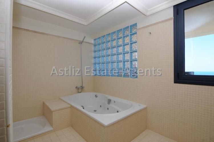 3 Bed  Flat / Apartment for Sale, Puerto De Santiago, Santiago Del Teide, Tenerife - AZ-1053 4