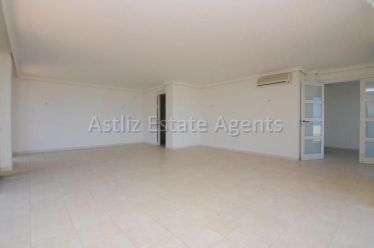 3 Bed  Flat / Apartment for Sale, Puerto De Santiago, Santiago Del Teide, Tenerife - AZ-1053 6