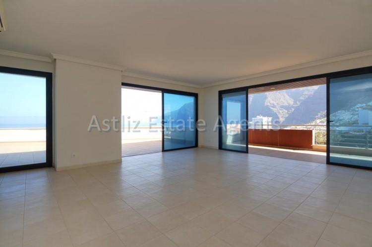 3 Bed  Flat / Apartment for Sale, Puerto De Santiago, Santiago Del Teide, Tenerife - AZ-1053 8