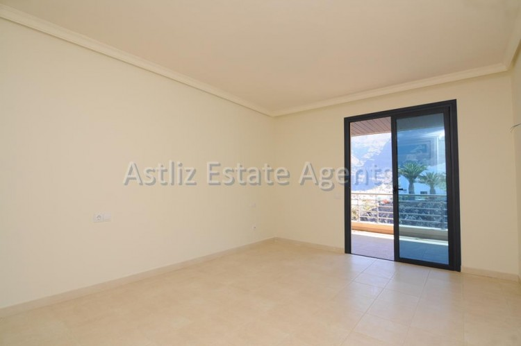 3 Bed  Flat / Apartment for Sale, Puerto De Santiago, Santiago Del Teide, Tenerife - AZ-1053 9