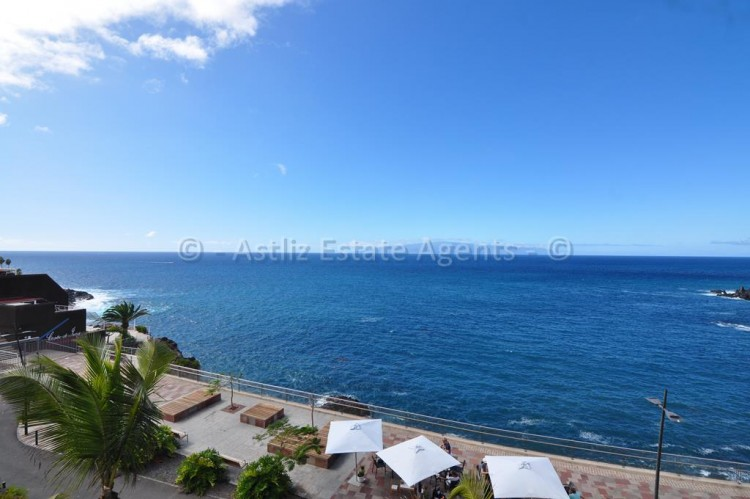 2 Bed  Flat / Apartment for Sale, El Varadero, Guia De Isora, Tenerife - AZ-1056 1