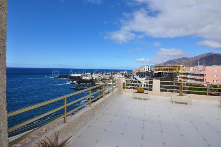 2 Bed  Flat / Apartment for Sale, El Varadero, Guia De Isora, Tenerife - AZ-1056 18