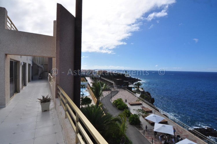 2 Bed  Flat / Apartment for Sale, El Varadero, Guia De Isora, Tenerife - AZ-1056 19