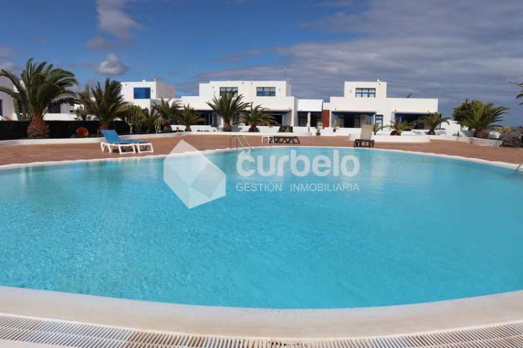2 Bed  Villa/House for Sale, Puerto Calero, Yaiza, Lanzarote - CU-214493 1