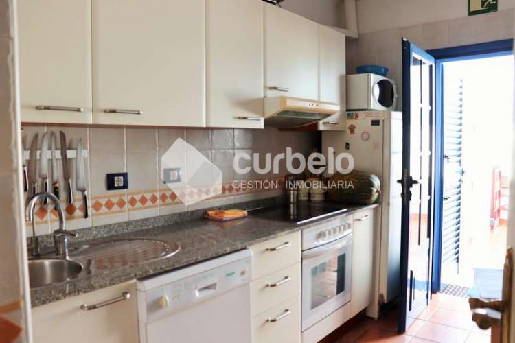 2 Bed  Villa/House for Sale, Puerto Calero, Yaiza, Lanzarote - CU-214493 12