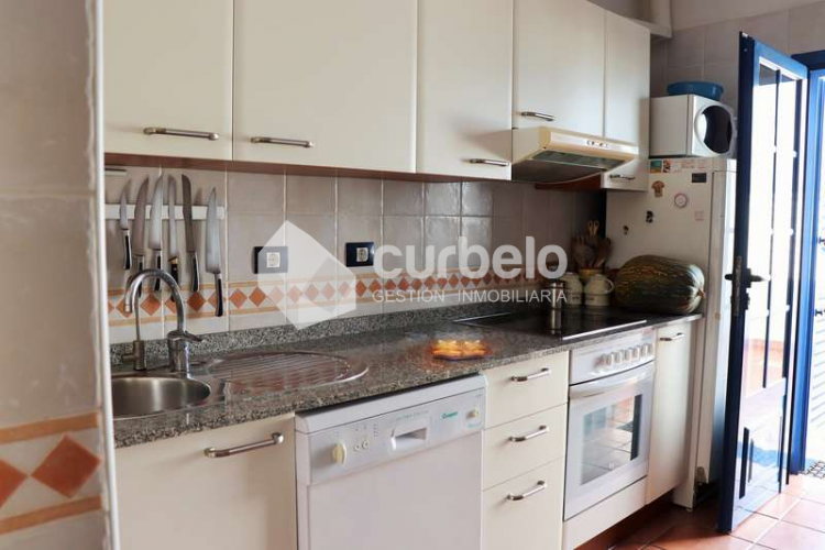 2 Bed  Villa/House for Sale, Puerto Calero, Yaiza, Lanzarote - CU-214493 14