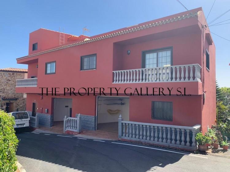 4 Bed  Villa/House for Sale, Arona, Tenerife - PG-D1793 1