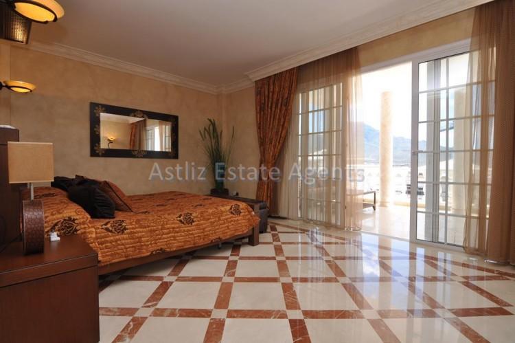 6 Bed  Villa/House for Sale, Costa Adeje, Adeje, Tenerife - AZ-1346 10