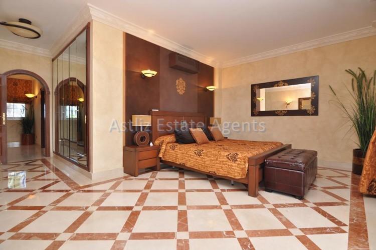 6 Bed  Villa/House for Sale, Costa Adeje, Adeje, Tenerife - AZ-1346 11