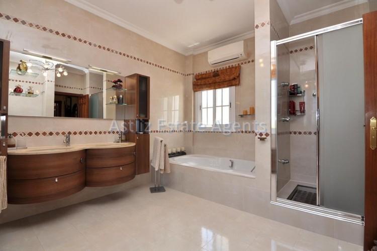 6 Bed  Villa/House for Sale, Costa Adeje, Adeje, Tenerife - AZ-1346 14