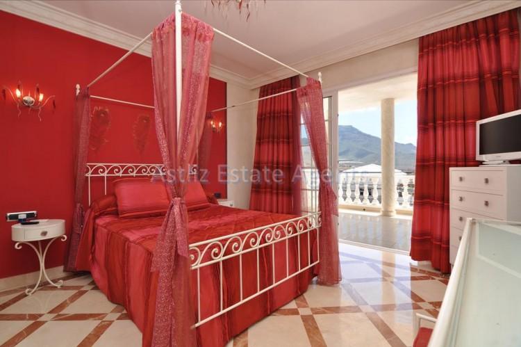 6 Bed  Villa/House for Sale, Costa Adeje, Adeje, Tenerife - AZ-1346 5