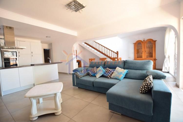 4 Bed  Villa/House to Rent, SAN BARTOLOME DE TIRAJANA, Las Palmas, Gran Canaria - MA-C-455 8
