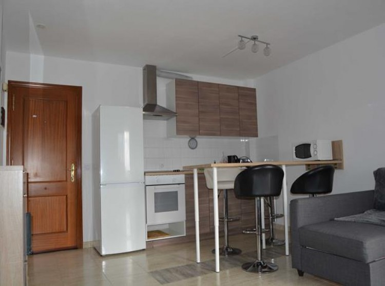 1 Bed  Flat / Apartment for Sale, Adeje, Tenerife - PG-B1727 2