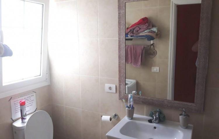 1 Bed  Flat / Apartment for Sale, Puerto Del Carmen, Lanzarote - LA-LA870s 8