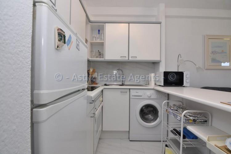 1 Bed  Flat / Apartment for Sale, El Varadero, Guia De Isora, Tenerife - AZ-1350 10