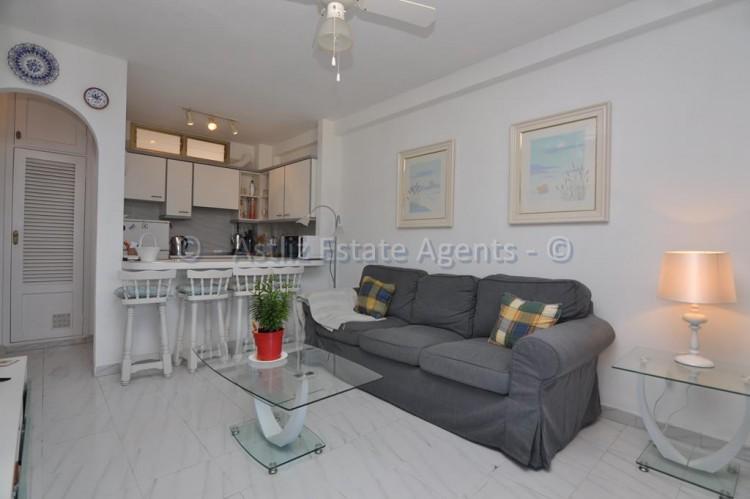 1 Bed  Flat / Apartment for Sale, El Varadero, Guia De Isora, Tenerife - AZ-1350 2