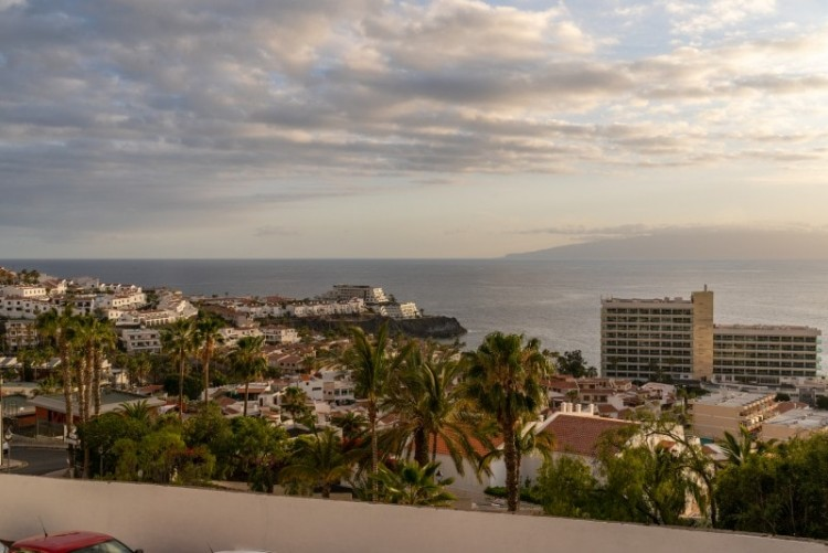 2 Bed  Flat / Apartment for Sale, Acantilado De Los Gigantes, Tenerife - PG-C1874 1