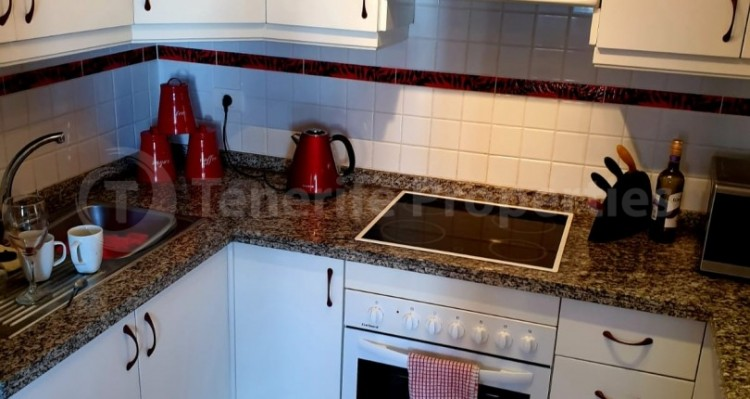 2 Bed  Flat / Apartment for Sale, Los Cristianos, Tenerife - TP-10958 7