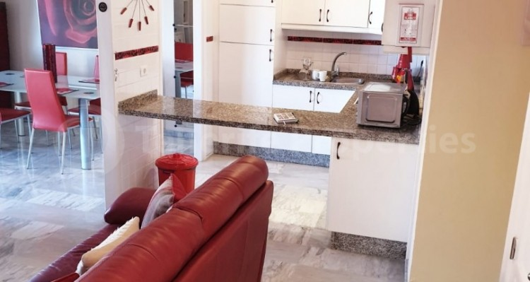 2 Bed  Flat / Apartment for Sale, Los Cristianos, Tenerife - TP-10958 8