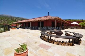 5 Bed  Villa/House for Sale, Los Blanquitos, Granadilla, Tenerife - AZ-1351