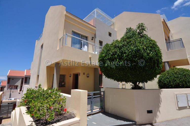 3 Bed  Villa/House for Sale, Puerto De Santiago, Santiago Del Teide, Tenerife - AZ-1352 1