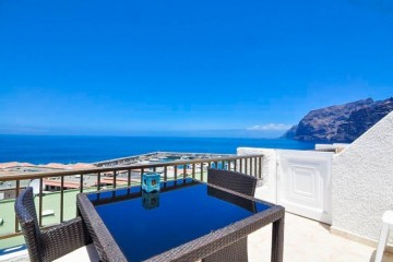 1 Bed  Flat / Apartment for Sale, Los Gigantes, Tenerife - YL-PW106