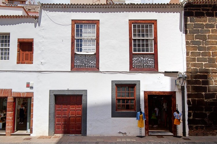 8 Bed  Villa/House for Sale, In the historic center, Santa Cruz, La Palma - LP-SC70 1