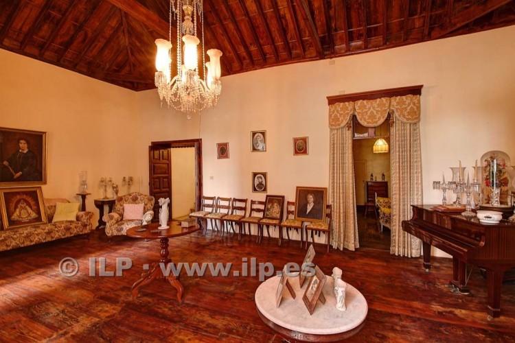 8 Bed  Villa/House for Sale, In the historic center, Santa Cruz, La Palma - LP-SC70 13