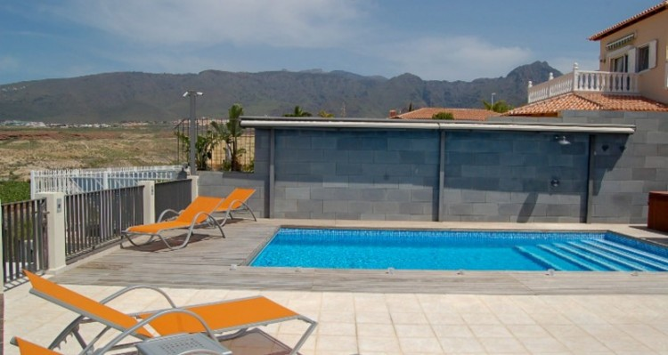 6 Bed  Villa/House for Sale, Bahia del Duque, Tenerife - TP-11417 6