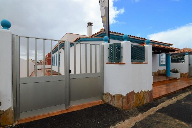 3 Bed  Villa/House for Sale, Corralejo, Las Palmas, Fuerteventura - DH-VPTVLC3C82-59 11