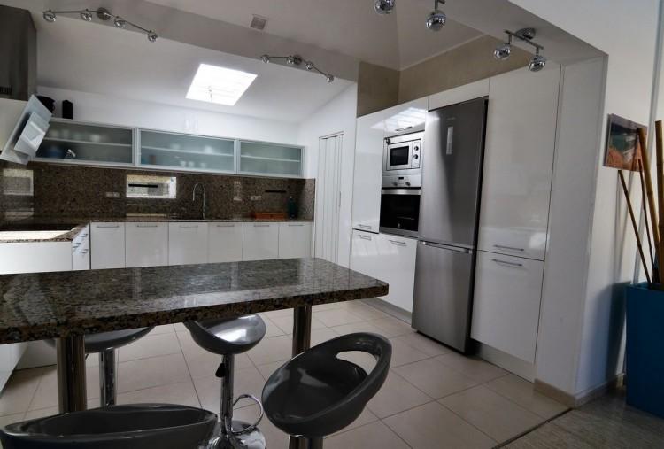 3 Bed  Villa/House for Sale, Corralejo, Las Palmas, Fuerteventura - DH-VPTVLC3C82-59 17