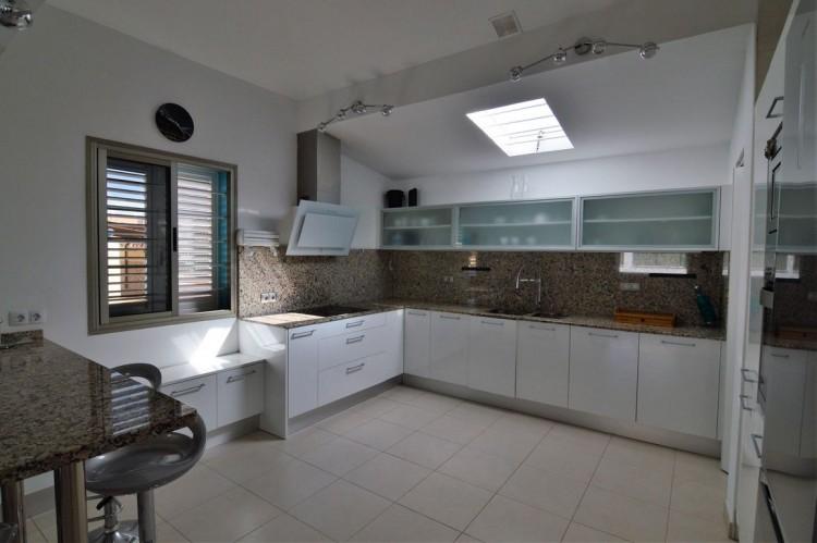 3 Bed  Villa/House for Sale, Corralejo, Las Palmas, Fuerteventura - DH-VPTVLC3C82-59 18