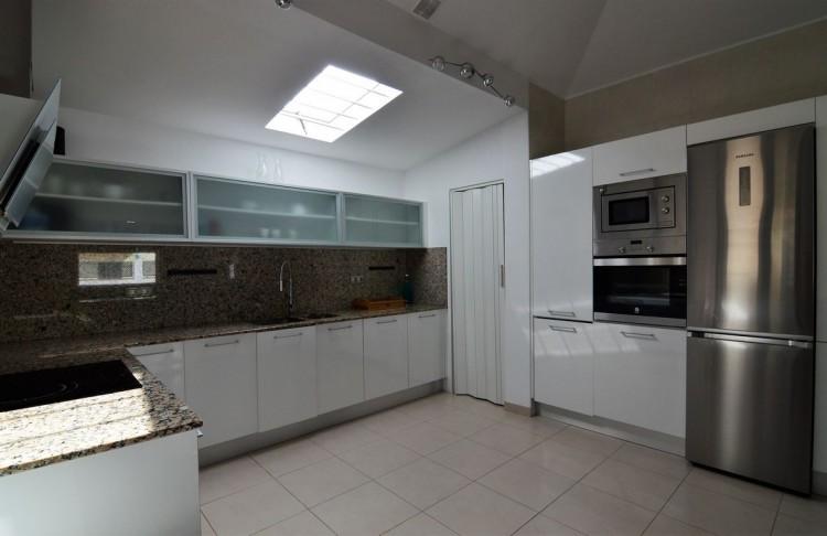 3 Bed  Villa/House for Sale, Corralejo, Las Palmas, Fuerteventura - DH-VPTVLC3C82-59 19