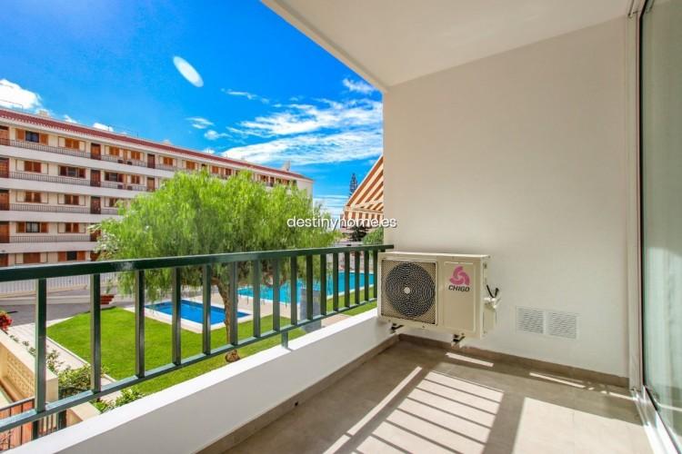 2 Bed  Flat / Apartment for Sale, Los Cristianos, Santa Cruz de Tenerife, Tenerife - DH-VPTCRISFYR2H_06-19 1