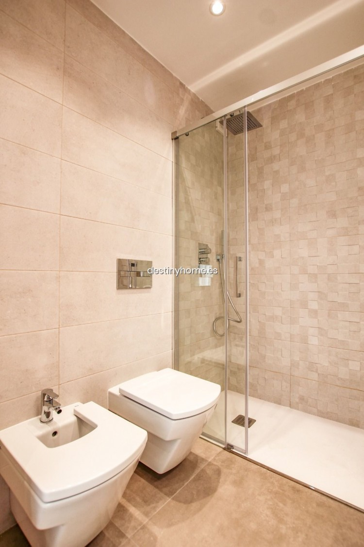 2 Bed  Flat / Apartment for Sale, Los Cristianos, Santa Cruz de Tenerife, Tenerife - DH-VPTCRISFYR2H_06-19 20