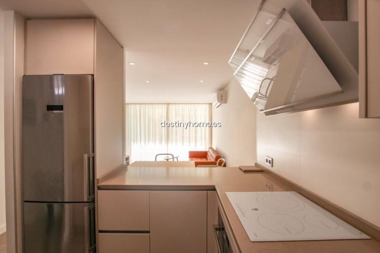 2 Bed  Flat / Apartment for Sale, Los Cristianos, Santa Cruz de Tenerife, Tenerife - DH-VPTCRISFYR2H_06-19 4