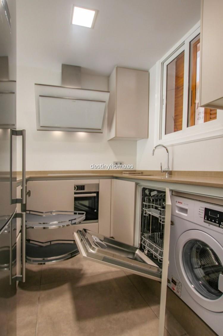 2 Bed  Flat / Apartment for Sale, Los Cristianos, Santa Cruz de Tenerife, Tenerife - DH-VPTCRISFYR2H_06-19 9