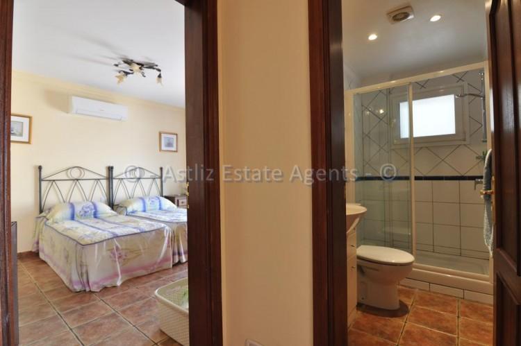 3 Bed  Villa/House for Sale, Callao Salvaje, Adeje, Tenerife - AZ-1355 12