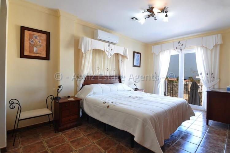3 Bed  Villa/House for Sale, Callao Salvaje, Adeje, Tenerife - AZ-1355 14