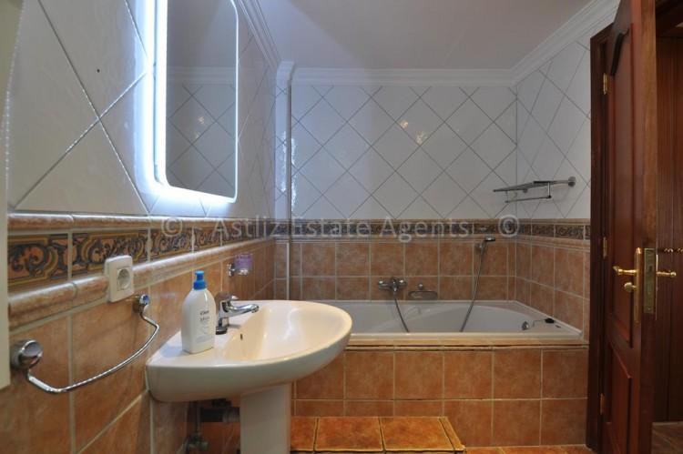 3 Bed  Villa/House for Sale, Callao Salvaje, Adeje, Tenerife - AZ-1355 16