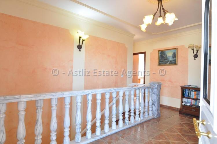 3 Bed  Villa/House for Sale, Callao Salvaje, Adeje, Tenerife - AZ-1355 18