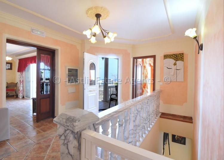 3 Bed  Villa/House for Sale, Callao Salvaje, Adeje, Tenerife - AZ-1355 19