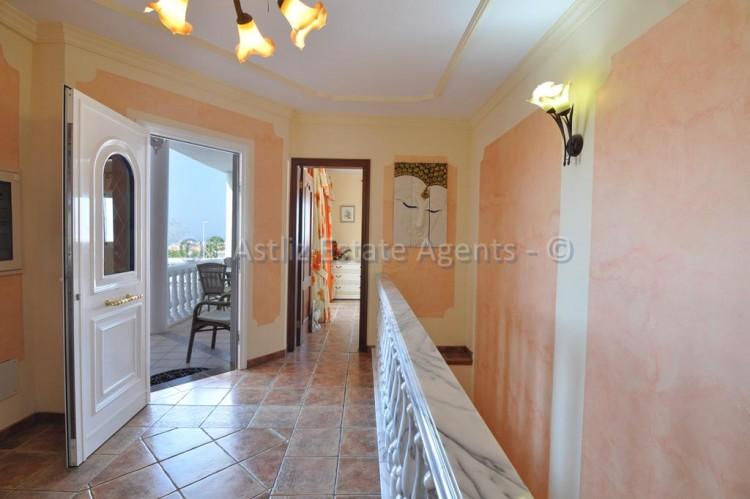 3 Bed  Villa/House for Sale, Callao Salvaje, Adeje, Tenerife - AZ-1355 20