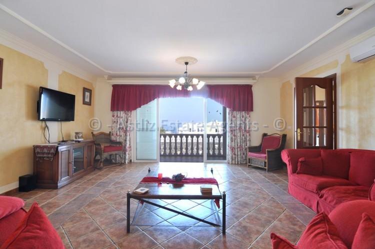 3 Bed  Villa/House for Sale, Callao Salvaje, Adeje, Tenerife - AZ-1355 3