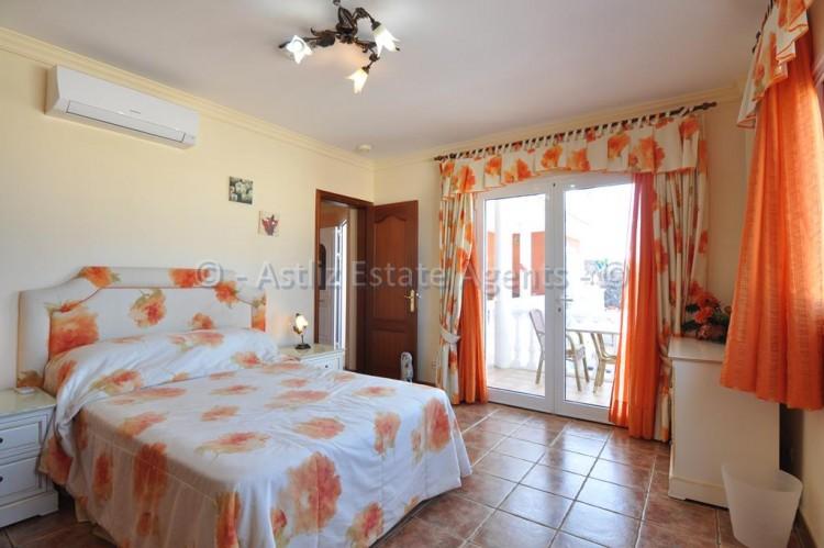 3 Bed  Villa/House for Sale, Callao Salvaje, Adeje, Tenerife - AZ-1355 6