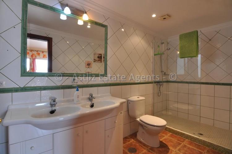 3 Bed  Villa/House for Sale, Callao Salvaje, Adeje, Tenerife - AZ-1355 9